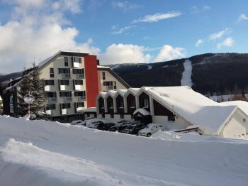 Mountains, snow and swimmingpool - the best for you! Great price of skipas!!!