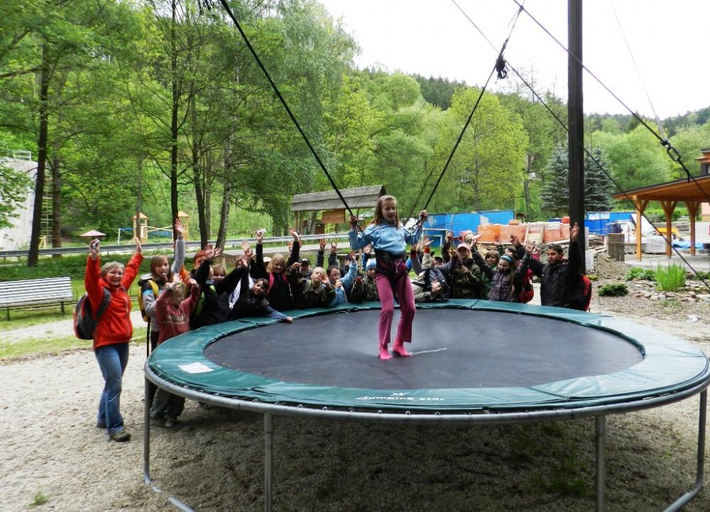 Adrenalin park Bozeňov - bungee trampolína