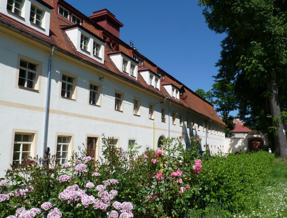 Hotel Týnec - zahrada
