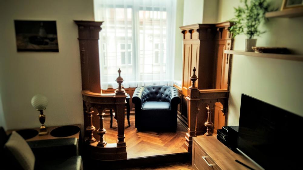 arkýř v obývacím pokoji