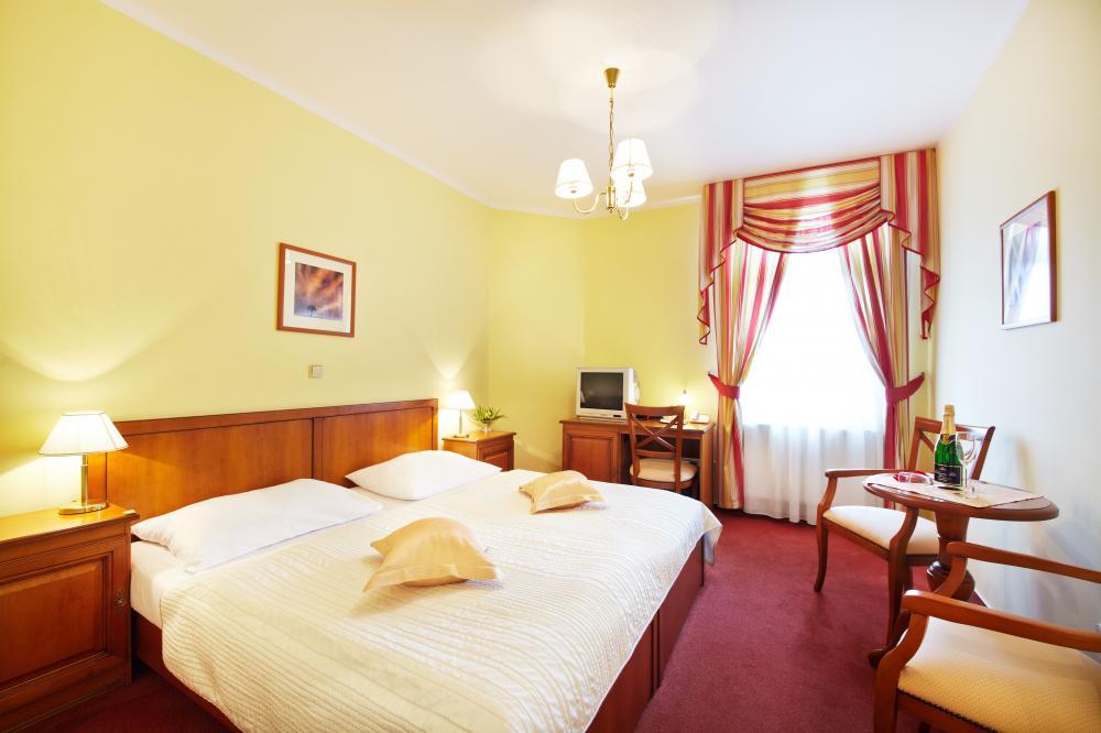 Dvoulůžkový pokoj v hotelu Podhrad