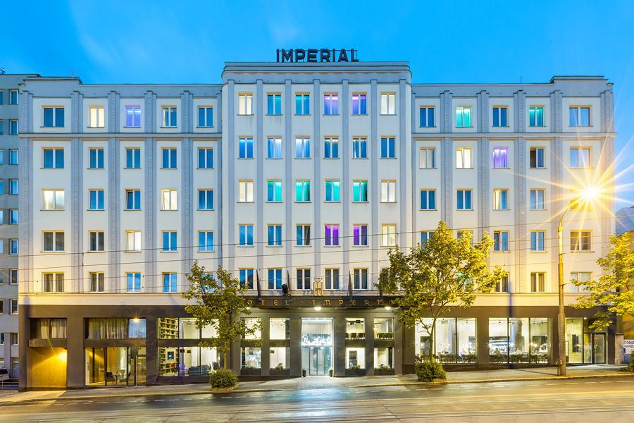 Pytloun Grand Hotel Imperial - večerní pohled
