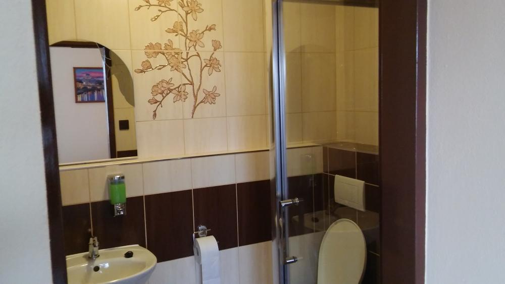 2 lôžková izba s balkónom kúpeľňa