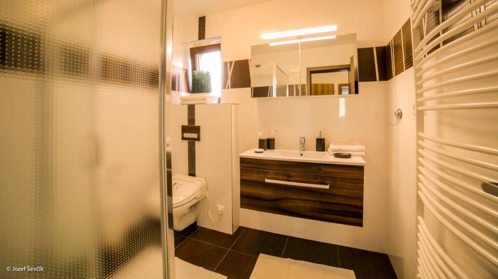 Apartmán - kúpelňa