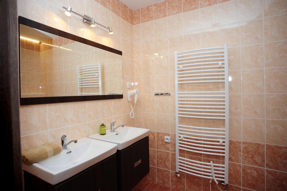 Rodinný pokoj ložnice - koupelna