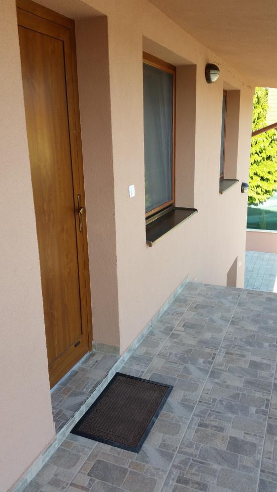Detail vchodu do apartmánu