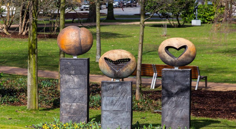 Poděbrady_sochy na kolonádě