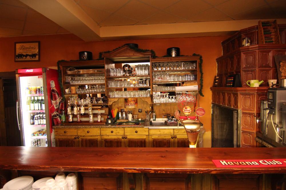 Koktejl-bar