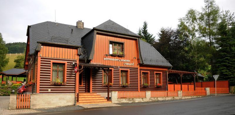 Restaurant a penzion v Gruntě