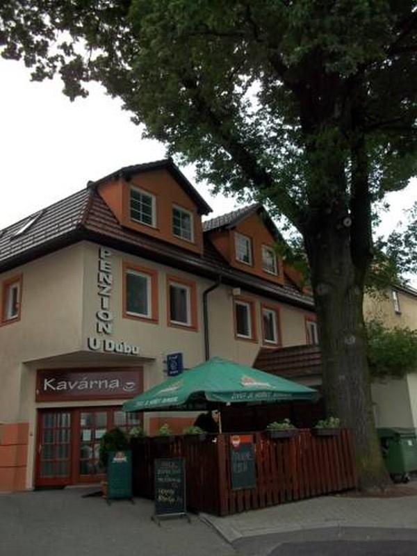 """Penzion & Kavárna """"U Dubu"""""""