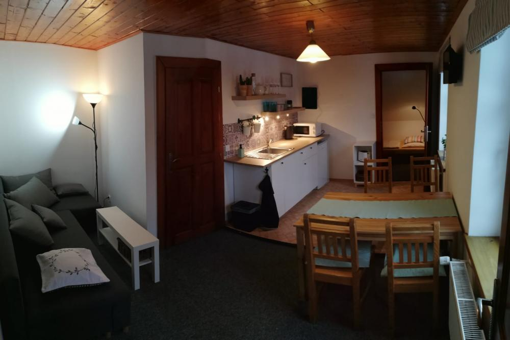 Apartmán kuchyňka s obývákem
