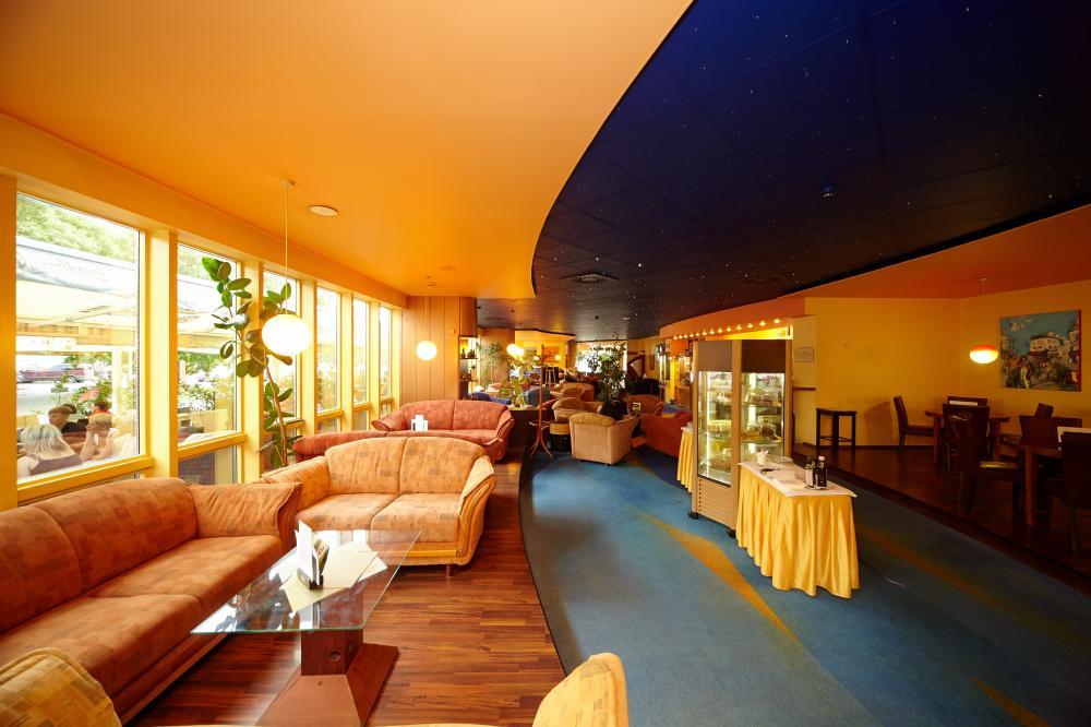 Kavárna Shiny