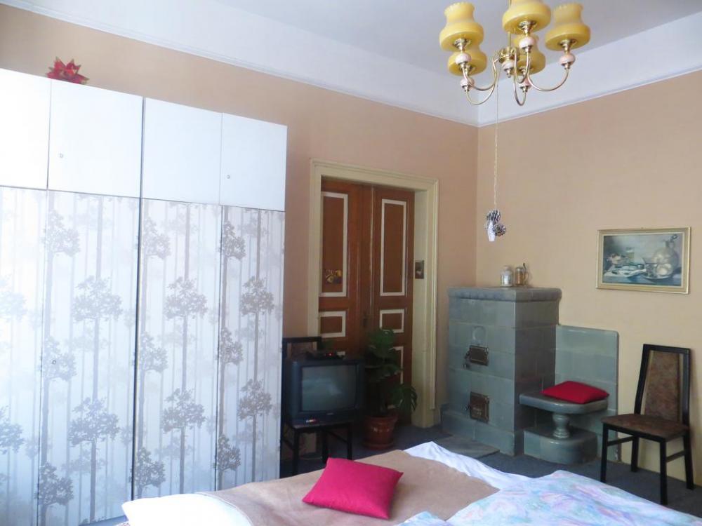 ložnice II - vchod do obýváku