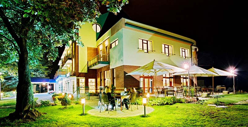APRIL HOTEL PANORAMA