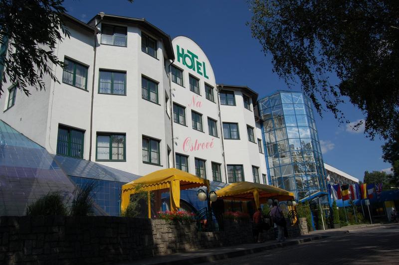 Hotel NA OSTROVĚ