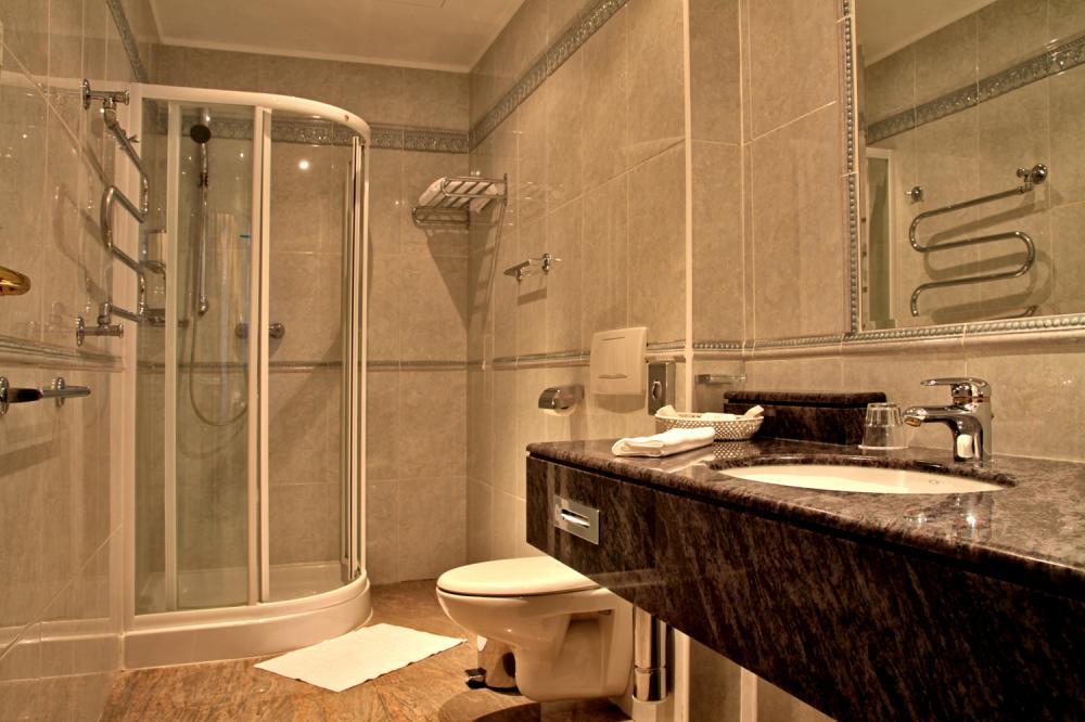 Dvoulůžkový pokoj koupelna