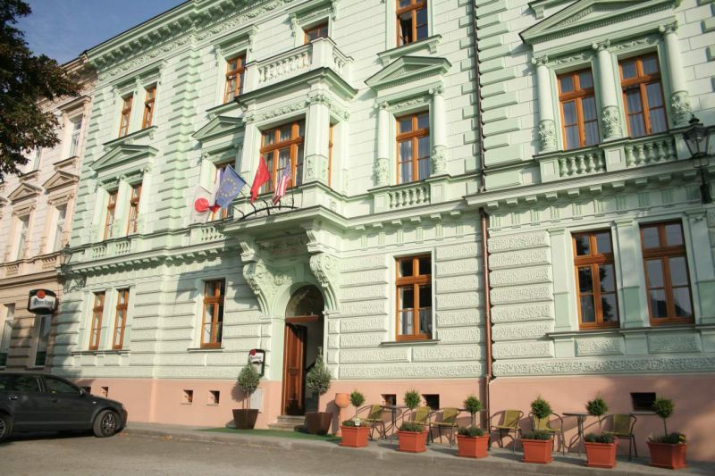 HOTEL IRIDA