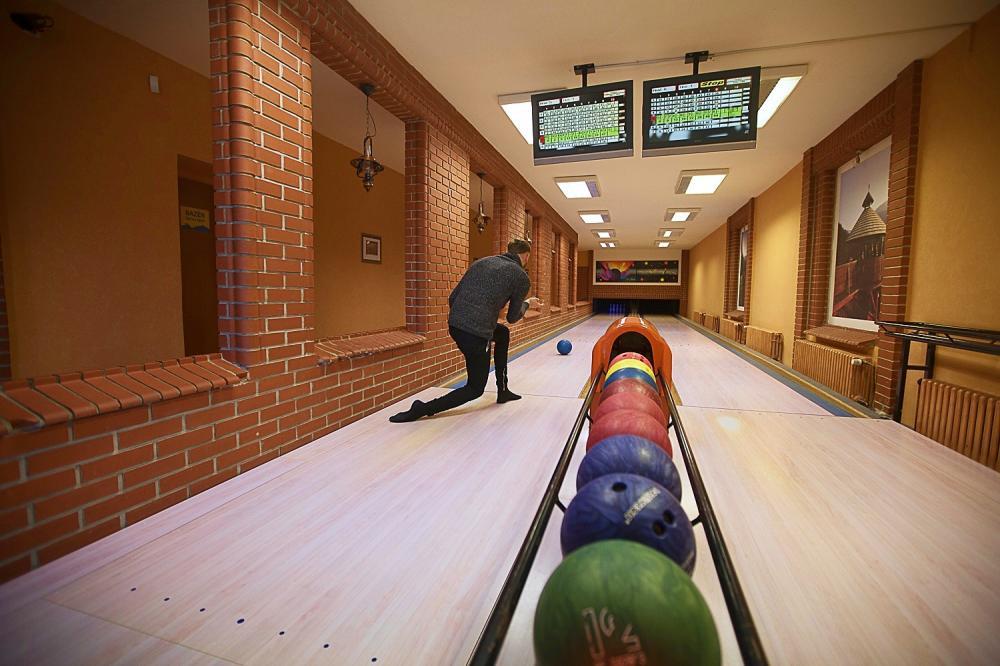 bowling v RelaxCentru (cca 700 m od penzionu)