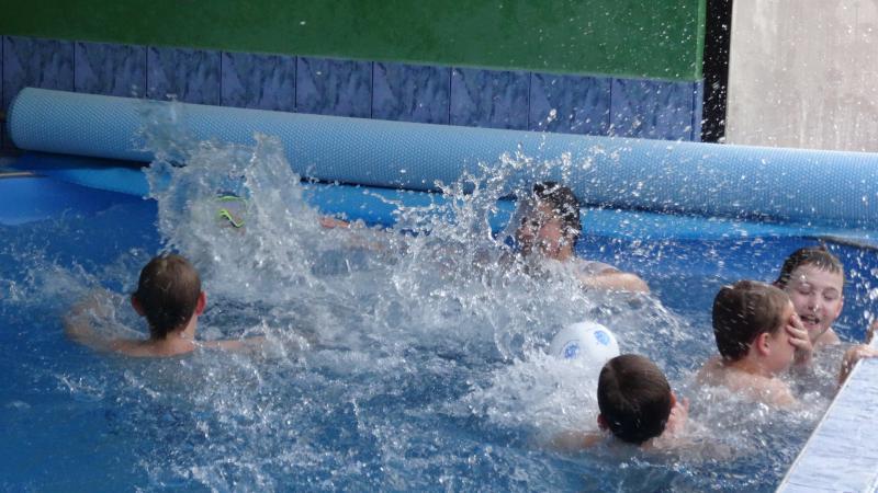 Bazén  hĺbka 1,40m
