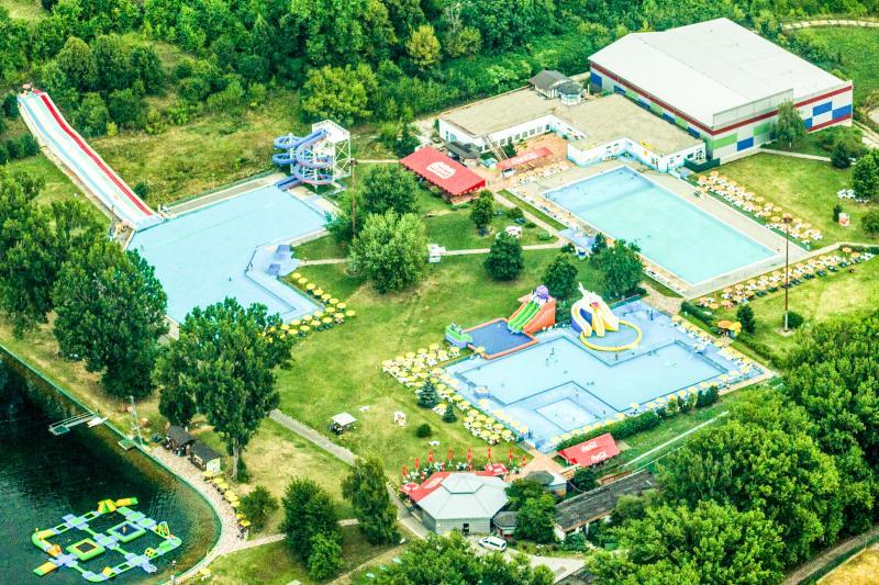 Bazény Dixon Resort