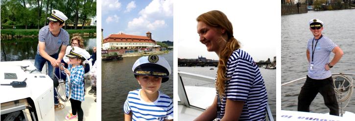 Vltava s lodí - obchůdek: mapy, čepice, trička