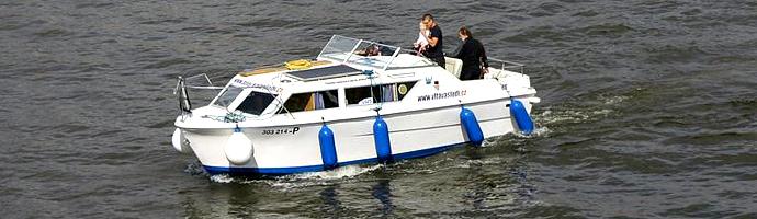 Christina - rekreační motorová loď