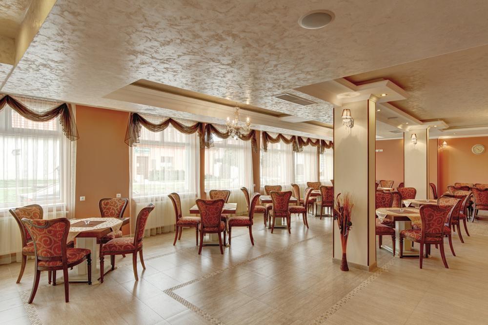 Café Wine Bar Diama - interiér