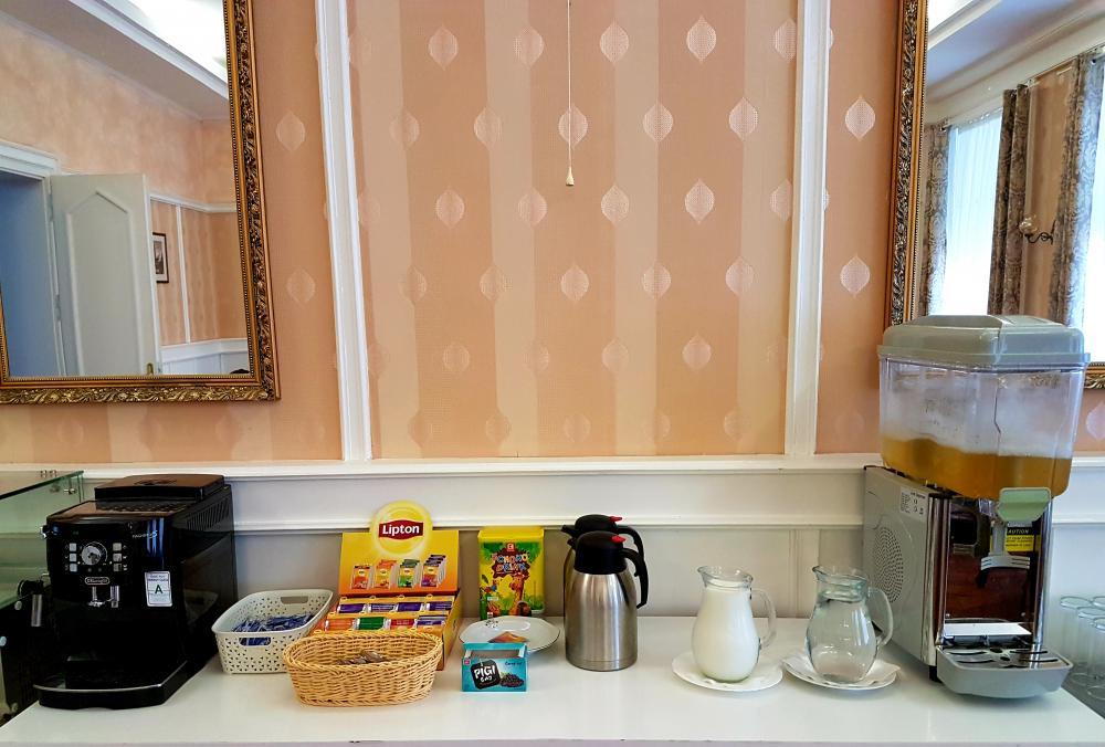 salonek snídaně