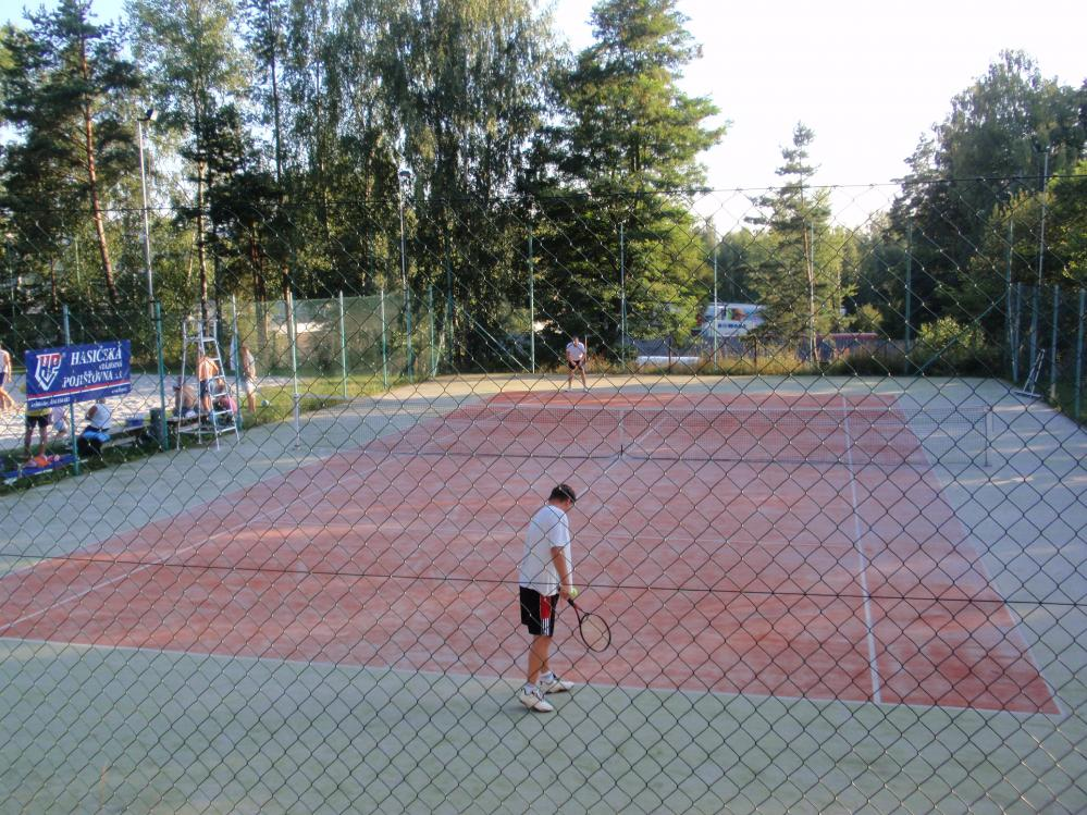 tenisový kurt