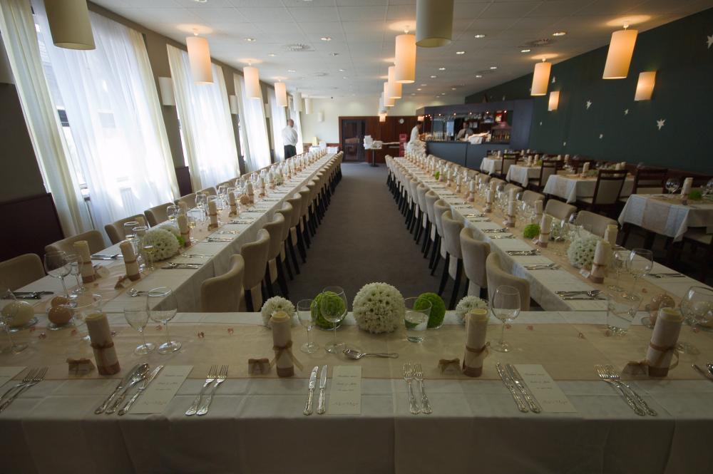příklad svatebního stolování