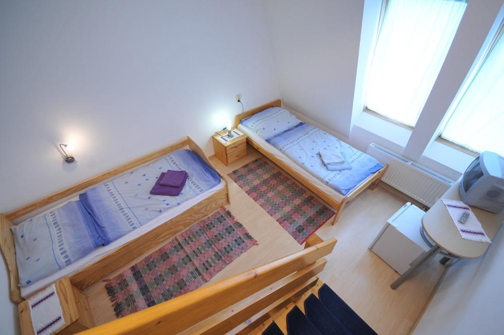 spodná izba v mezonetovom apartmáne