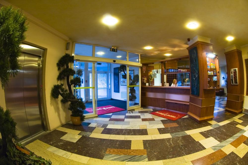 Žďárský hotel Jehla