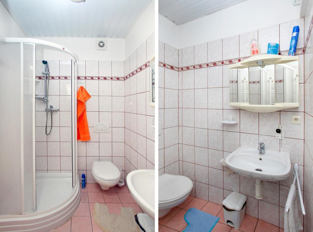 Koupelna s WC v těsné blízkosti pokoje