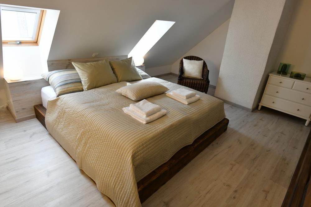 Vrchní postel