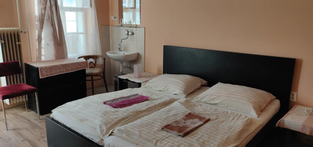 Dvoulôžková izba bez sociálneho zariadenie