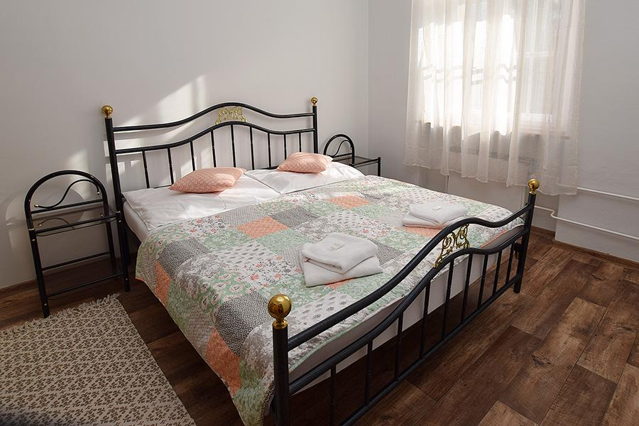 Pařez - apartmán (ložnice)