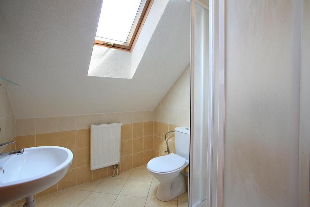 Podkrovná dvojlôžková izba