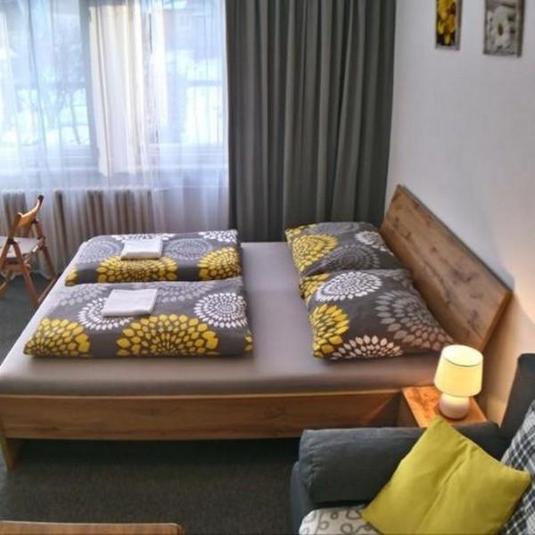 Dvoulůžkový pokoj s přistýlkami bez balkonu