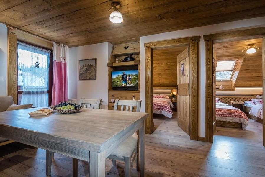 Trojizbový apartmán PEARL s balkónom pre 4 až 6 osob