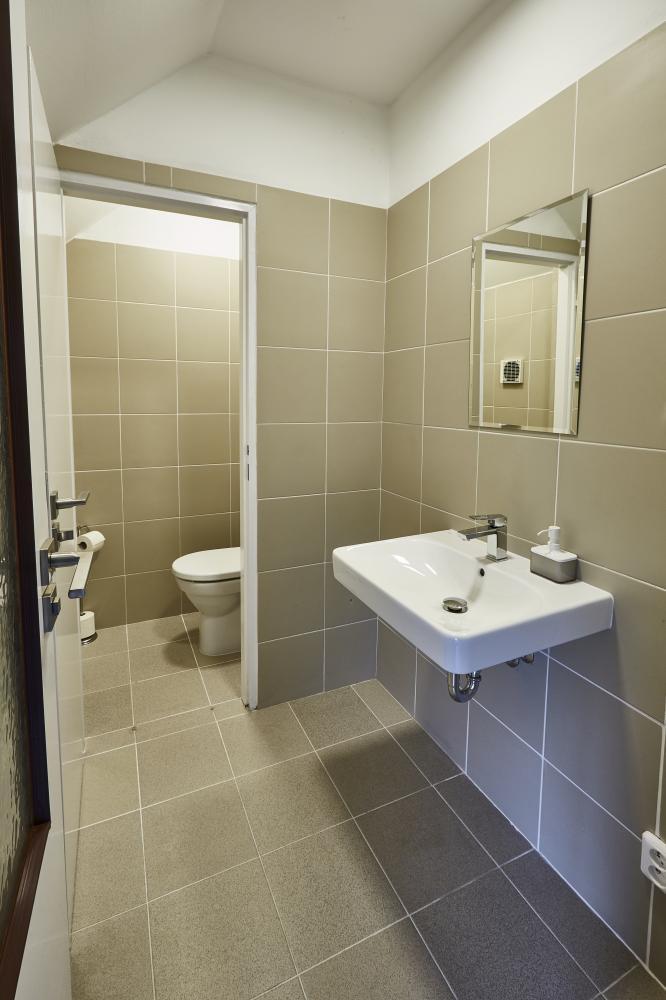 WC s předsíňkou