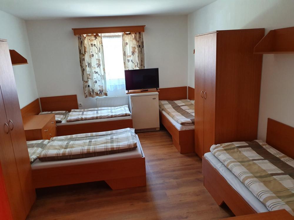 Ubytovňa 1 - 4 lôžková izba