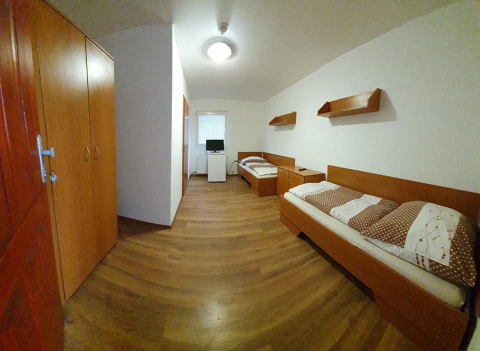 Ubytovňa 1 dvojlôžková izba