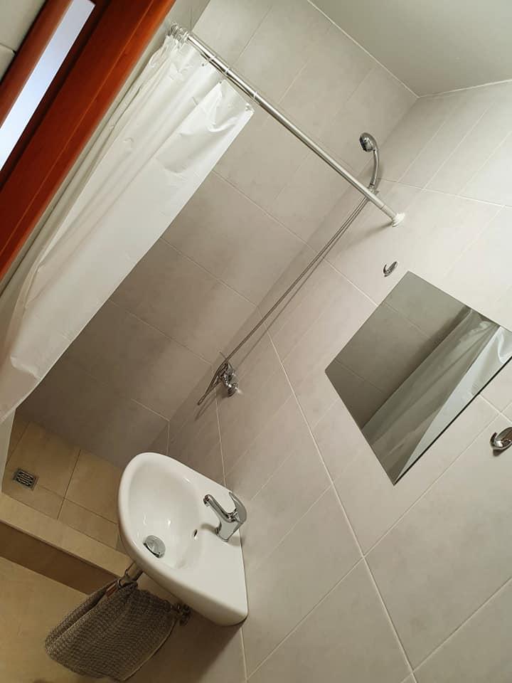 Ubytovňa 1 dvojlôžková izba kúpeľňa