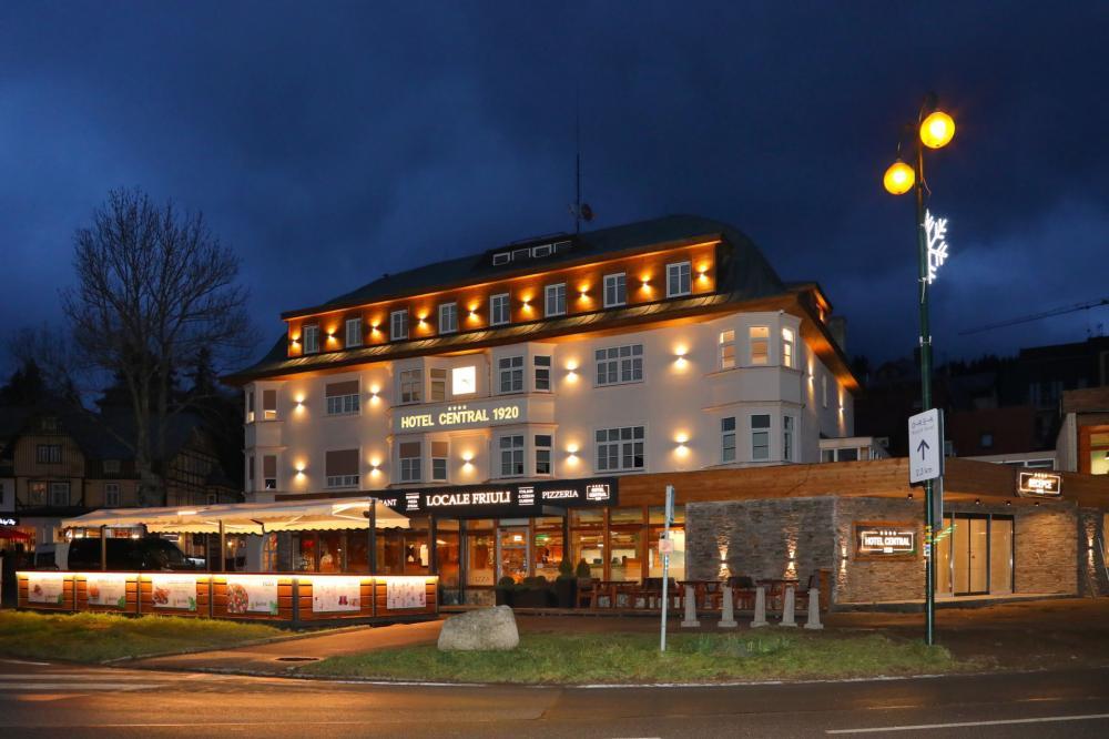 Central 1920 + Depandance Villa Hubertus