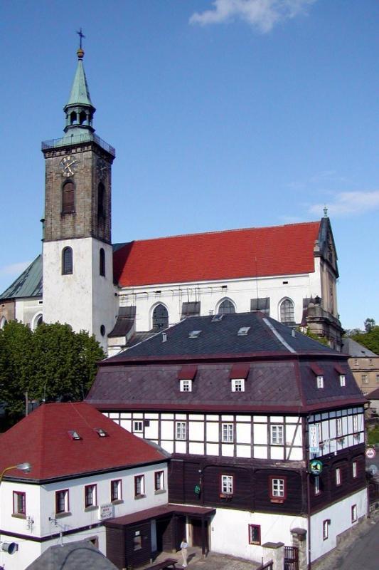 Hotel RON & Kostel sv. Mikuláše