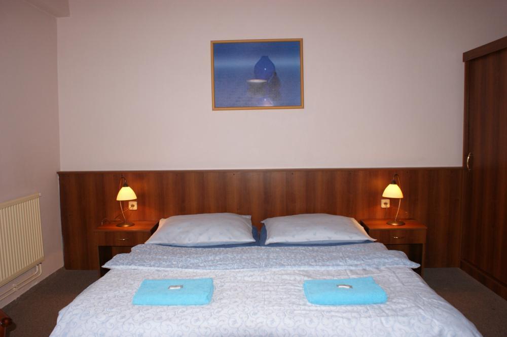 Hotel Trim
