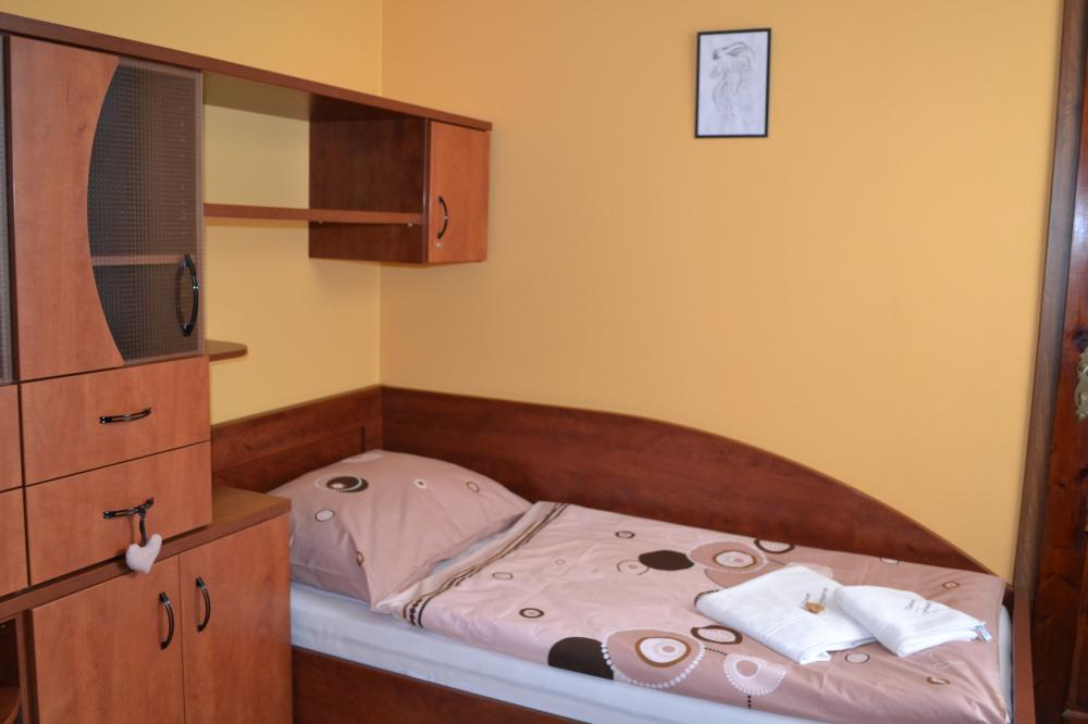 pokoj č.5 v penzionu Freudův sen