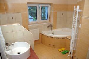 Apartmán č.2 - Koupelna s rohovou vanou