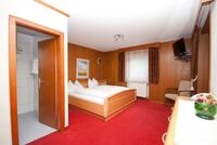 Rodinný pokoj 4+2 - dvoulůžkový pokoj s manželskou postelí