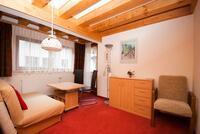 Rodinný pokoj 4+2 - malá obývací část